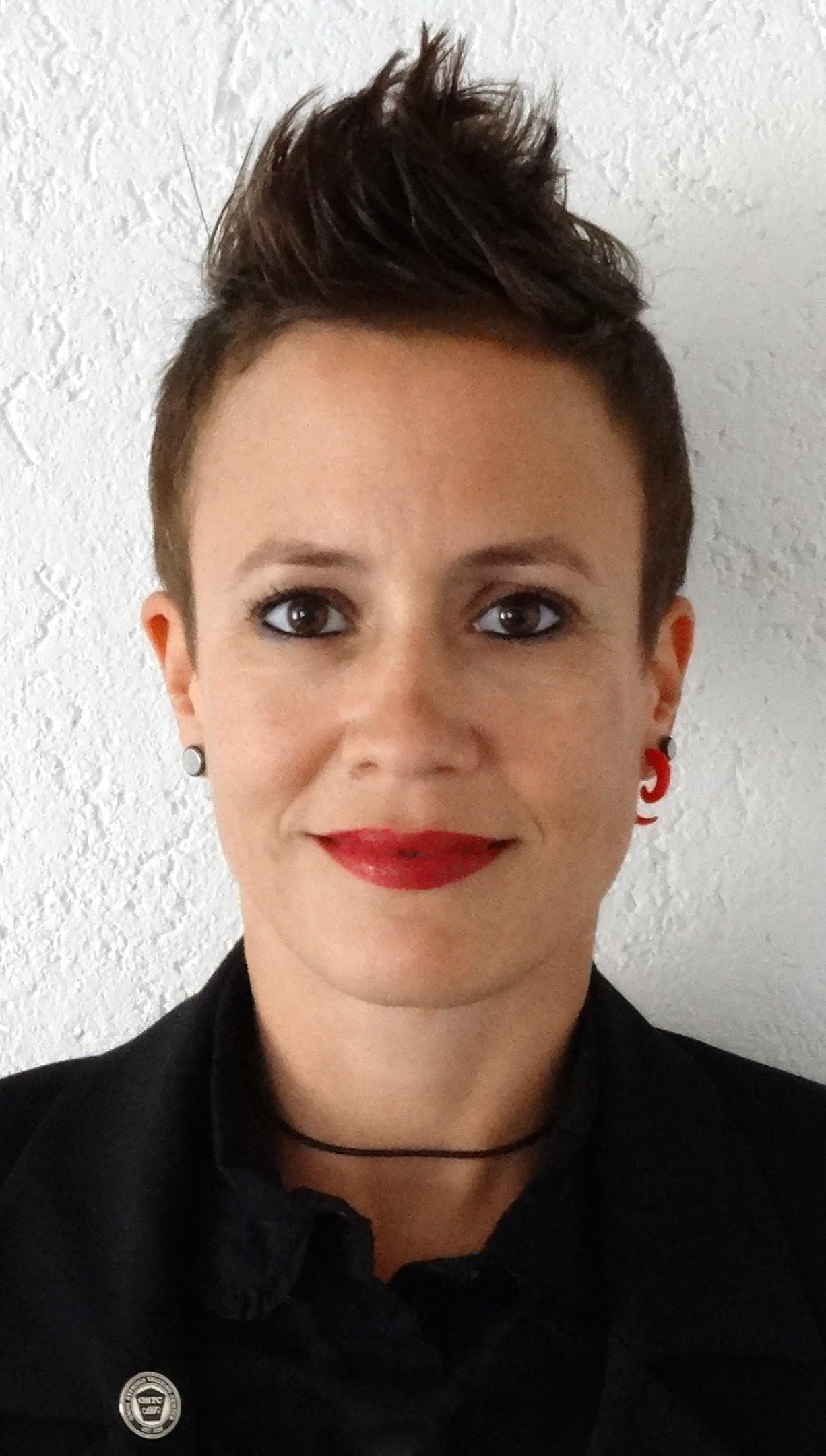 Mein Name ist Tanja Leuenberger. Ich wurde 1977 in Bern geboren. Ich habe ursprünglich eine kaufmännische Ausbildung gemacht und einige Jahre in der ... - PROFILBILD
